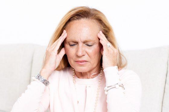 Menopauza – objawy, typowe symptomy oraz zmiany w organizmie