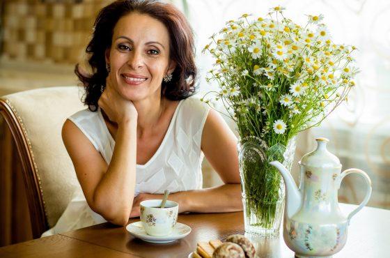7 sposobów na łagodzenie negatywnych skutków klimakterium. Zioła i witaminy na menopauzę